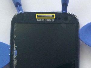 راهنمای تصویری تعمیر شیشه شکسته جلو Samsung Galaxy S III