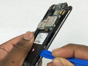 راهنمای تصویری تعویض صفحه نمایش شیشه ای Samsung Galaxy J1